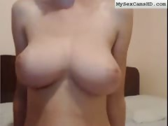 Huge Bouncing Tits Webcam