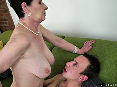 Older woman still likes to pay and fuck younger guys