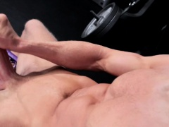 Solo amateur fighter wanking his cock in ring
