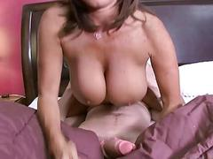 Milfs pussy fucked by an oversized cock