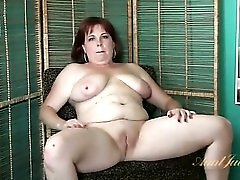 Chubby mature gives a naked interview