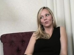 Horny Milf ride the sybian
