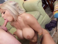 Luscious MILF Alyssa Lynn Gets Her Pussy Beaten Up