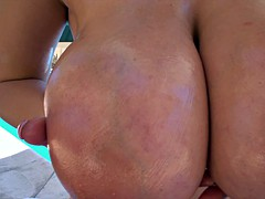 chubby babe oils up and masturbates by the pool
