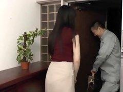 Luscious Japanese milf gets the hardcore fucking she needs