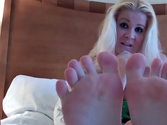 let me give you the best footjob of your life