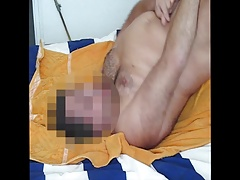 Wank in bed 001