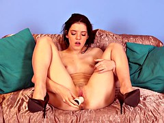 skinny skank in loves to dildo herself