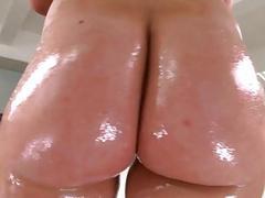 Huge booty ho banged her big hot asshole