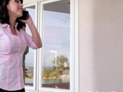 Stepmom Amber Chase Gives Blowjobs and Screwed