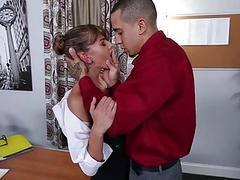 Pretty Dakota Vixin banged in the office