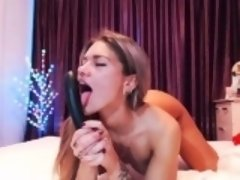 Solo masturbation of sexy Heather Starlet