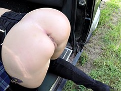 Taxi driver makes her pay with her pussy and mouth