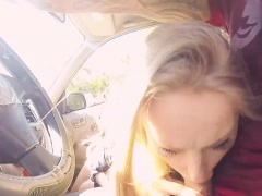 Hot teen stranded gets fuck in the car