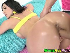 Kendra Lust is sexy MILF, curvaceous with a booty that is out of this world and is ready to fuck after her milk bath
